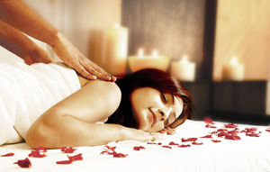 Aromatherapy-oils-and-massage